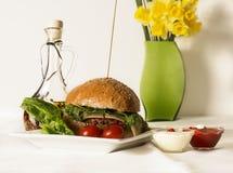 乳酪汉堡膳食 免版税库存照片