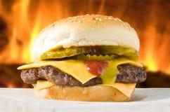 乳酪汉堡 免版税图库摄影