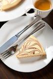 3933704乳酪蛋糕和浓咖啡咖啡 库存照片