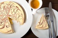 乳酪蛋糕和浓咖啡咖啡 图库摄影