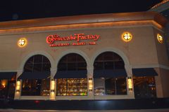 乳酪蛋糕工厂在Waltham,波士顿地区, 2016年12月11日的美国 图库摄影