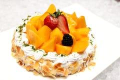 乳酪蛋糕用芒果 库存图片