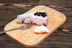 乳酪蛋糕用蓝莓 免版税库存图片