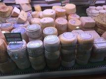 乳酪销售  免版税库存图片