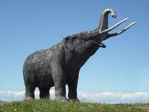 乳齿象雕象 库存图片