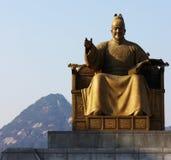 了不起的国王Sejong雕象在Gwanghwamun 库存照片