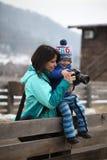 了解摄影的孩子 免版税库存图片