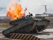 争斗主要俄国坦克 图库摄影