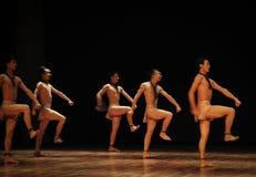 争斗列阵黑天使现代舞蹈舞蹈动作设计者亨利Yu 图库摄影