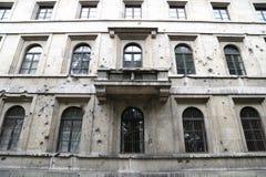 争斗损坏的大厦 免版税图库摄影