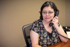 事业有思想的女性专家在办公室 免版税库存照片