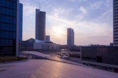 事务日出都市风景街市在维尔纽斯立陶宛 库存照片