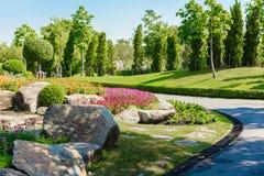 从事园艺和环境美化 库存照片