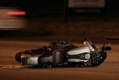 事故摩托车 库存图片