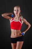 从事的健身女孩年轻人 免版税库存图片