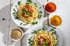 二个人的意大利面食正餐 免版税库存图片