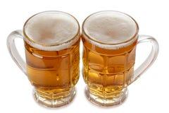 二个啤酒杯子 图库摄影