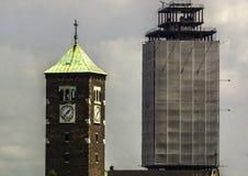 二个塔 免版税库存照片