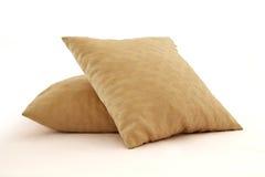 二个黄色枕头 库存图片