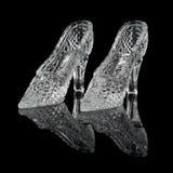 二双妇女水晶鞋子 免版税库存照片