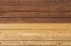 二口气木头墙壁 免版税库存照片