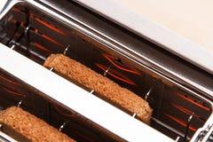 二在多士炉的热面包多士 免版税库存照片