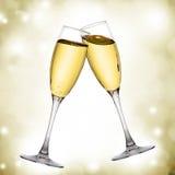 二块典雅的香槟玻璃 免版税图库摄影