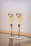 二块婚姻的玻璃用香槟 库存照片