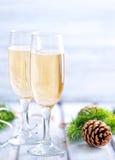 二块香槟玻璃 库存照片