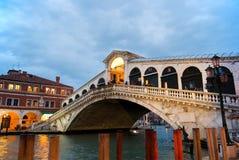 二意大利ponte rialto威尼斯 免版税库存图片