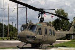 二战纪念品1968年越南UH-1 Huey直升机 免版税库存图片