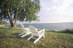 二把Adirondack椅子 图库摄影