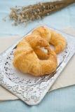 二新月形面包 免版税库存图片