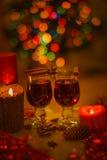 二杯被仔细考虑的酒 免版税库存图片