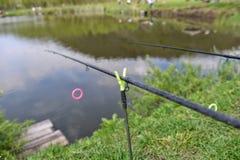 二根钓鱼竿 库存照片