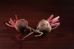 二棵红色甜菜 免版税库存照片