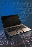 二进制计算机笔记本 免版税库存图片