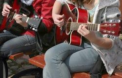 二重奏吉他弹奏者 库存照片