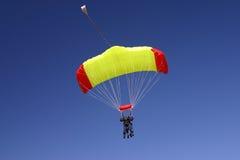 二重奏滑翔伞 免版税库存图片