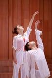 二重奏舞蹈,上升的胳膊 图库摄影