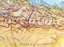 于阿特拉斯山脉集中的旅客地理地图 免版税库存图片