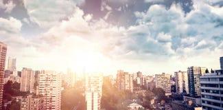 阴云密布看法的综合图象反对蓝天的 免版税库存照片
