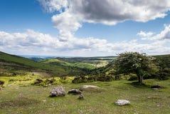 云彩和山,威尔士,英国 库存照片