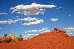 云彩和岩石在Canyonlonds 免版税库存图片