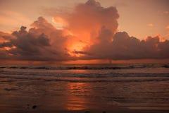 云彩和海滩 图库摄影