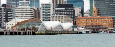 云彩在奥克兰江边-新西兰 免版税图库摄影