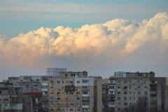 云彩在布加勒斯特,罗马尼亚 免版税库存照片
