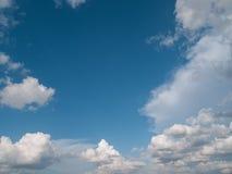 云彩在明亮的天 库存照片