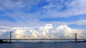 云彩天堂在青马大桥 库存照片