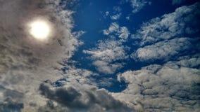云彩天蓝色 库存照片